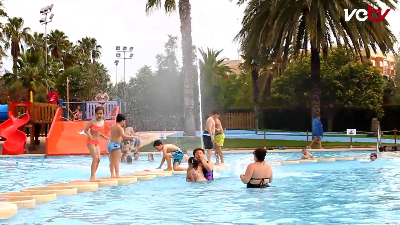 Apertura de las piscinas de verano piscina de benicalap for Piscina parque benicalap