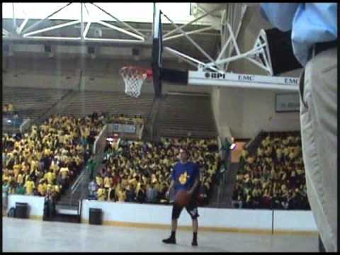 "TFB::Dunks:: 6'4"" 4D with some impressive dunks!"