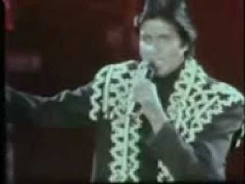 Amitabh Bachchan Live in Concert 1990 @ Wembley Stadium. Best concert of all time Part1