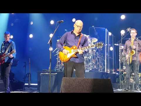 Mark Knopfler Altice Arena Lisbon 2019 Live - Money for Nothing - 30/04/2019