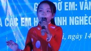Hà Quỳnh Như hát trong đêm từ thiện tại xã Thanh Khai - Thanh Chương