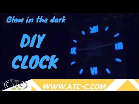 How to recycle a Plexiglas frame // DIY Clock
