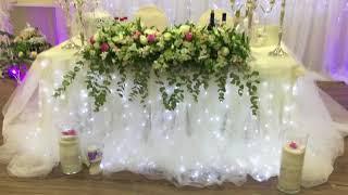 как сделать украшение на свадебный стол из цветов мастер класс