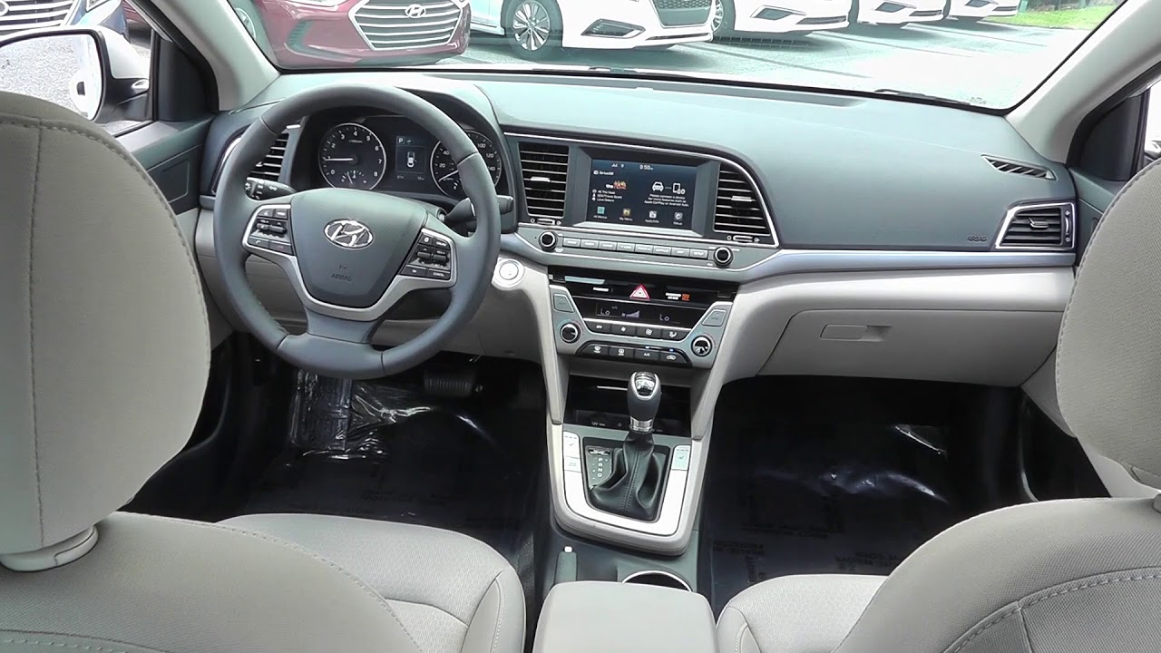 Universal Hyundai 2018 Elantra Value Edition Stock 225890