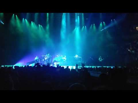 Maroon 5 - Cold Live From The Bradley Center