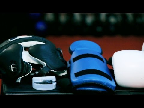 5 Essential Sparring Equipment Pieces | Kickboxing Lessons