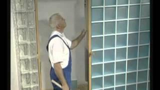 Montaż stolarki drzwiowej w ścianie z pustaków szklanych ClaroGlass Vitrosilicon