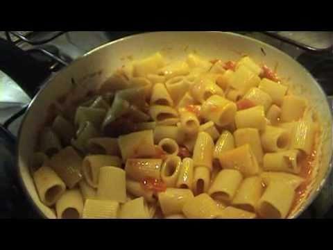 Top Pasta al sugo con ricotta e mozzarella - YouTube UI41