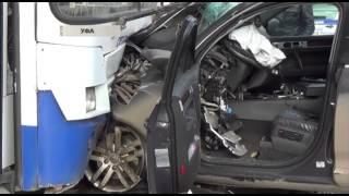 Страшная авария в Уфе: Джип с «золотой молодежью» сбил насмерть женщину на пешеходном переходе