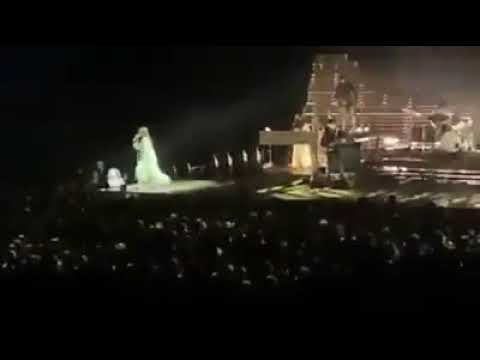 Moderation | Florence + the Machine's new song live @ Perth, Australia