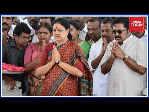 Sasikala Knew About Attempt To Bribe EC For 'Two Leaves' Symbol