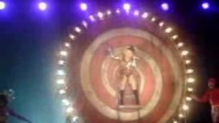 Christina Aguilera - Enter The Circus (live)