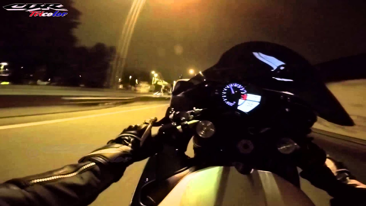 Yamaha R Wheelies Youtube