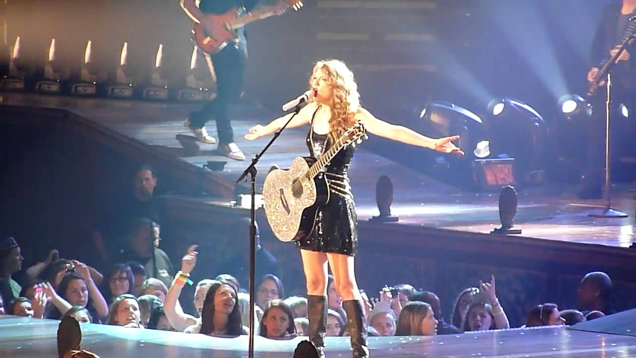 Taylor Swift - Long Live - Speak Now Tour 2011 ...