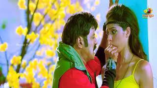 Mallu actress parwati ass slapped by balakrishna