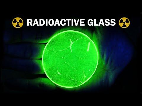 Making uranium glass
