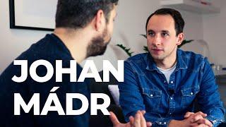 Johan je herec a moderátor, můžete ho vídat na Fajn rádiu, kde má s...