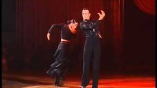 Slavik Kryklyvyy and Karina Smirnoff Dance Paso Doble