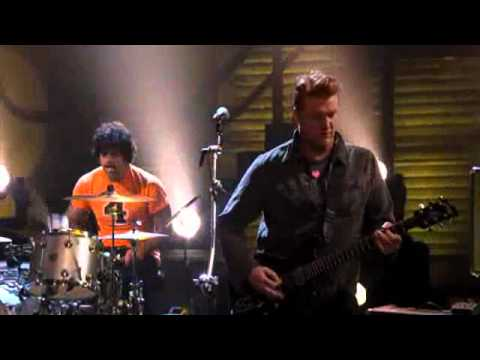 queens of the stone age live from the basement