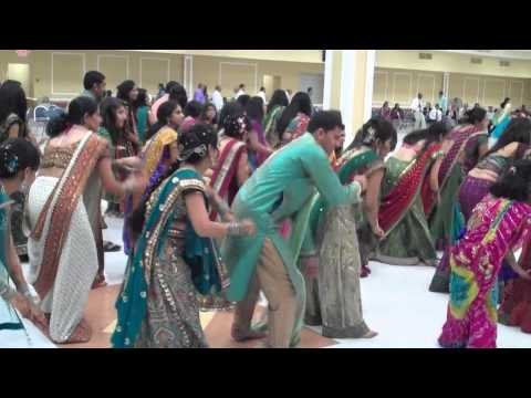 DJ Bally - Humu Kaka baba na - Yogesh's garba night at GCA Nashville TN 2011.mp4