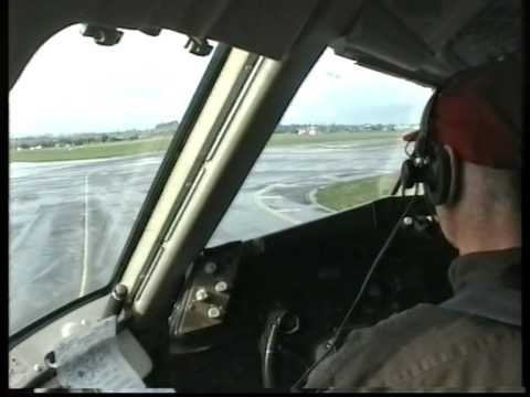Niki Lauda 767 takeoff from Dublin and touch and go in Innsbruck