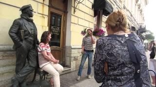 урок жонглирования сиренью для девушки-Зайгибы из Дагестана