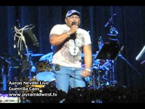 Aaron Neville Live