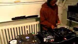Baixar DJ Smallz Grime Mix For D.A.N TV