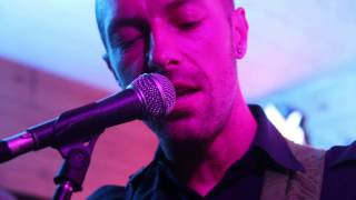 Chris Martin Performing live in Delhi at Summer House Cafe
