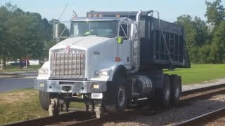 [KENWORTH]Dump Hyrailer Truck Runs SB After Dumping Rock @ A&Y With Horn Salute & Hornshow In Fay NC