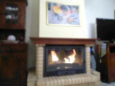 un po le bois efficaceet compact contura 800 doovi. Black Bedroom Furniture Sets. Home Design Ideas
