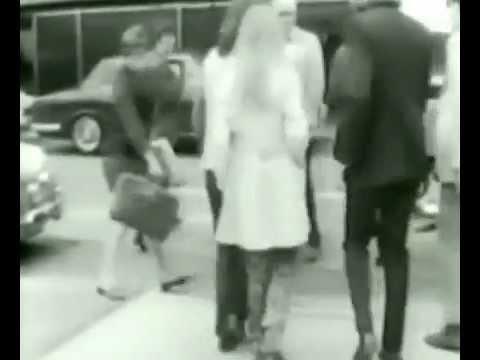 George Harrison Bob Dylan Airport 02 sept 1969