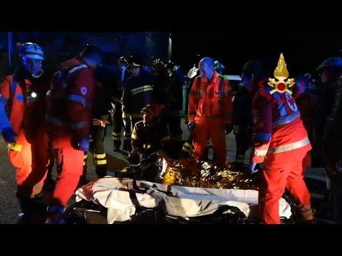 При давке в итальянском клубе погибли шесть человек