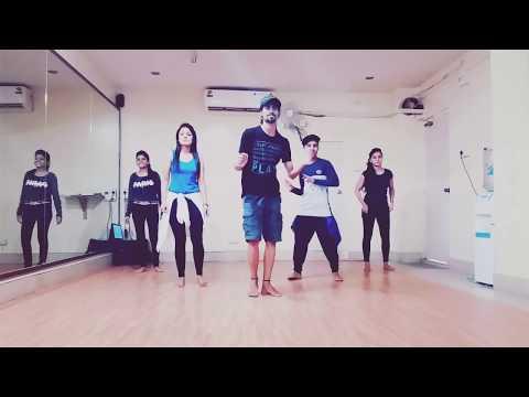 """Song- """"Cheez Badi"""" Choreographed by Vivek Shaw"""