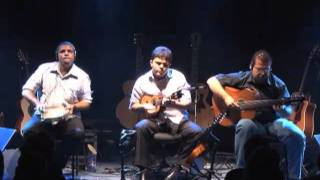 Trio Caí Dentro