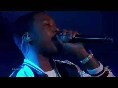 T.I interpéte: Black Man in live with Meek MILL