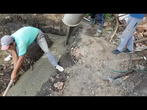 Фундаментная лента без опалубки с высоким уровнем грунтовых вод. Монтаж блоков ФБС. Цена вопроса.