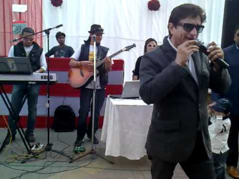 Vedas Band performing with Anand Raj Anand Dil de diya hai