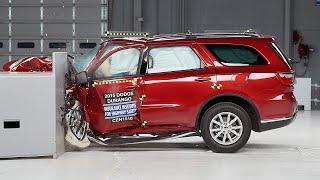 2015 Dodge Durango small overlap IIHS crash test