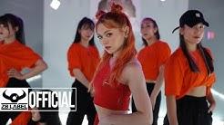 "AleXa (알렉사) – ""Kitty Run"" Performance"