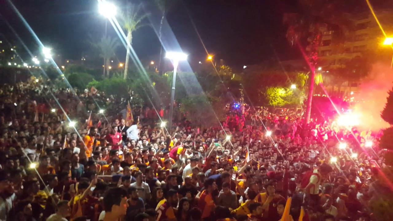 Fenerbahçe Taraftarı Galatasaray Taraftarlarının Metrosuna Binerse!