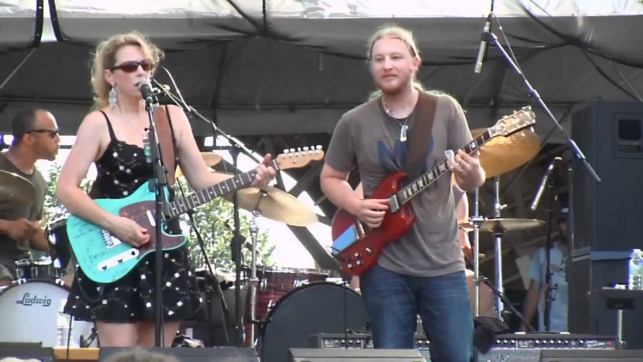 tedeschi trucks band midnight in harlem gathering of the vibes 7 22 2011 youtube. Black Bedroom Furniture Sets. Home Design Ideas