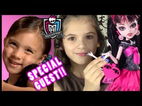 Draculaura Picture Day Monster High Doll Review | KittiesMama & EvantubeHD collab