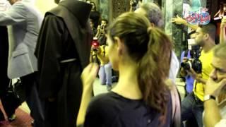 محمود حميدة ويسرا اللوزي وساندرا وغادة عادل والهواري في عزاء محمد خان