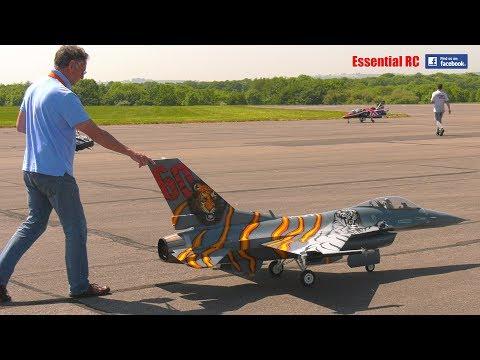 GIANT SCALE RC (radio Controlled) F-16 FIGHTER JET With Evojet 220 EX TURBINE JET ENGINE