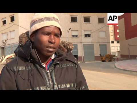 Thousands of sub-Saharan migrants flee to Algeria