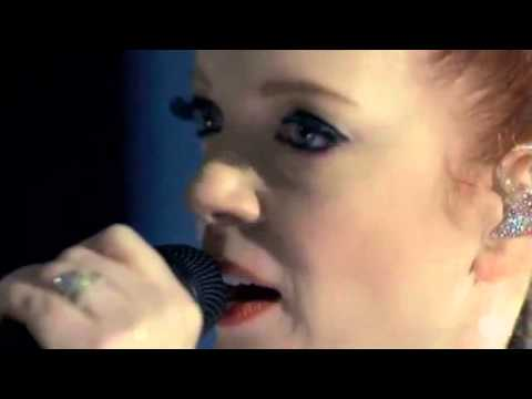 Garbage - Stupid Girl 2012 (Yahoo Music)