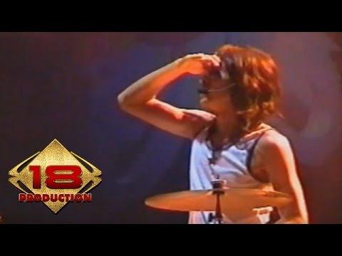 Slank - Balikin  (Live Konser Sumenep 25 November 2005)
