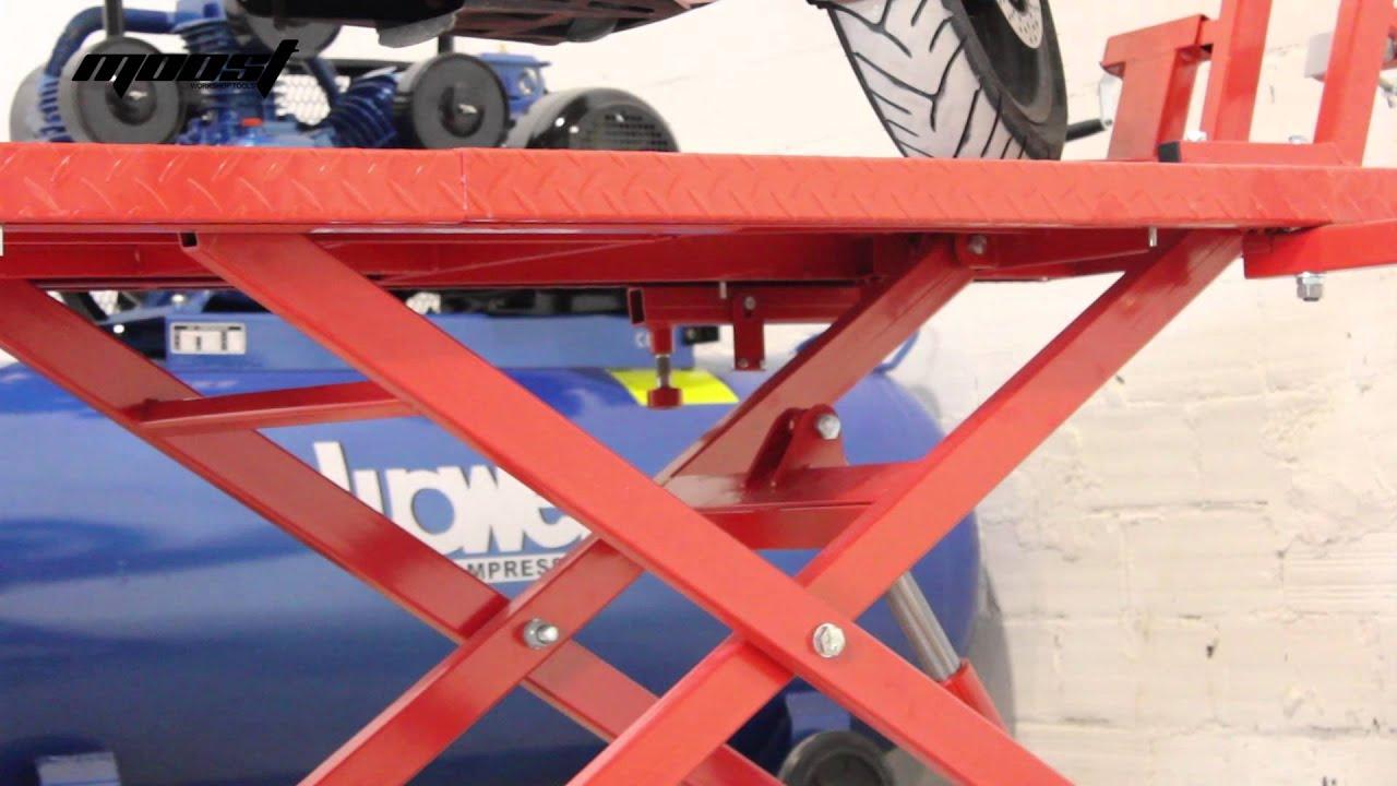 Mesa elevadora hidrulica neumtica Moost para motos y