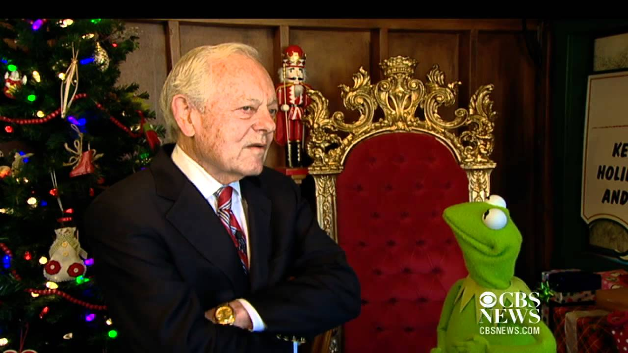 Kermit goes to Washington lights White House Christmas Tree